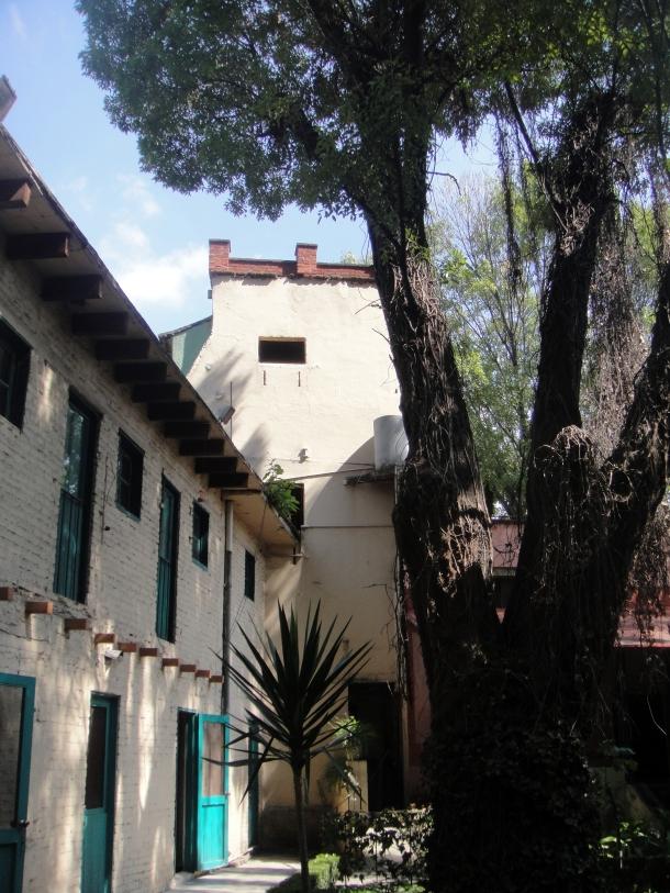 guards-house-trotsky-museum-mexico-city