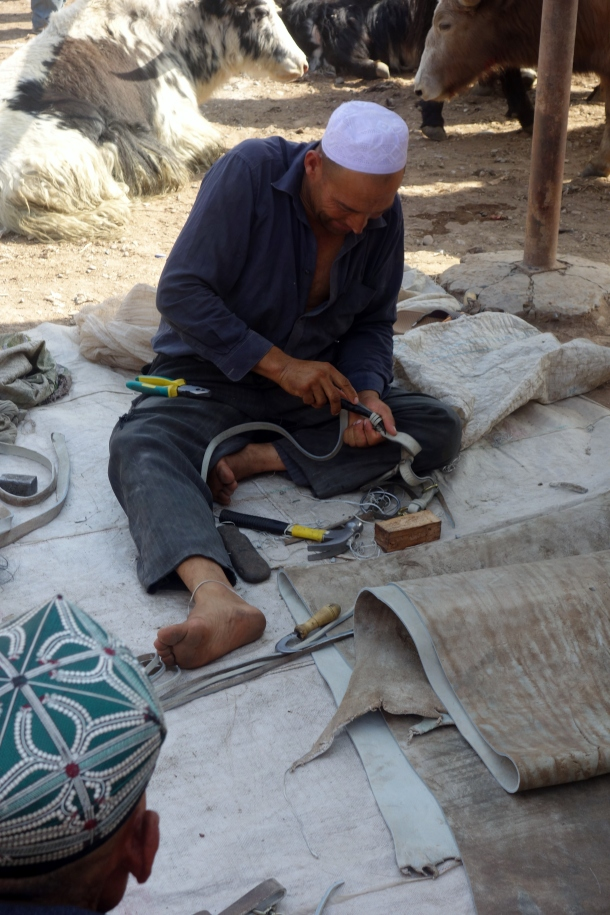 leatherworker-kashgar-livestock-market