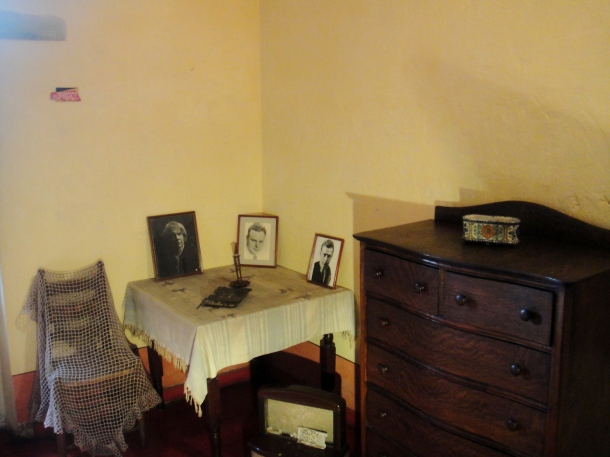 leon-trotsky-bedroom-mexico-city