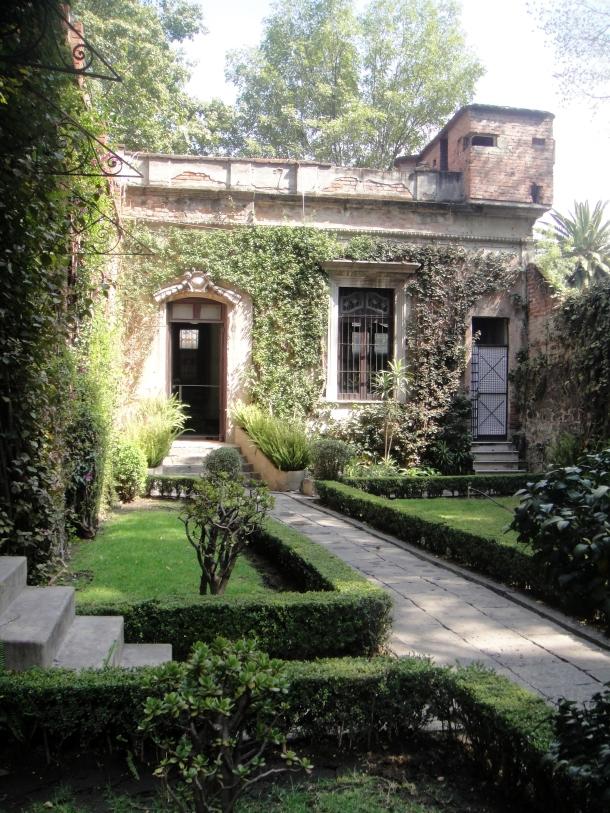 leon-trotsky-home-mexico-city