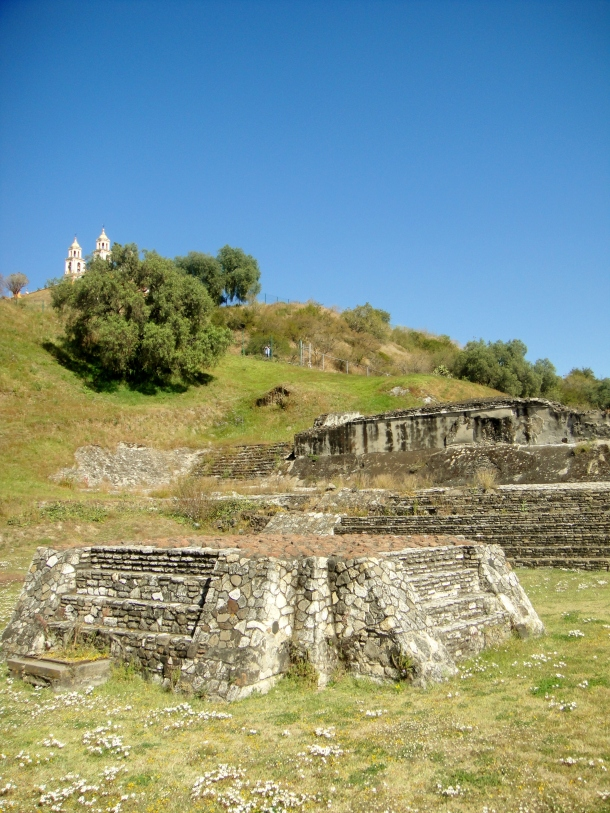 altar-great-pyramid-cholula