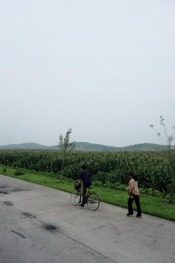 bicyclists-north-korea
