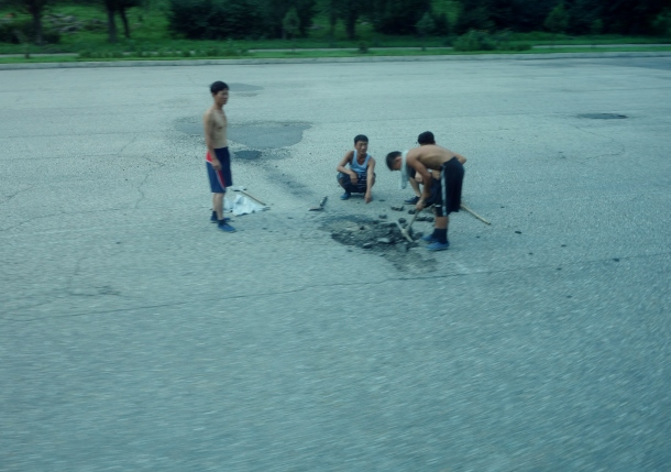 road-repair-north-korea