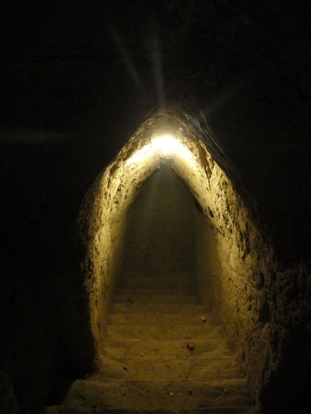 tunnels-great-pyramid-cholula