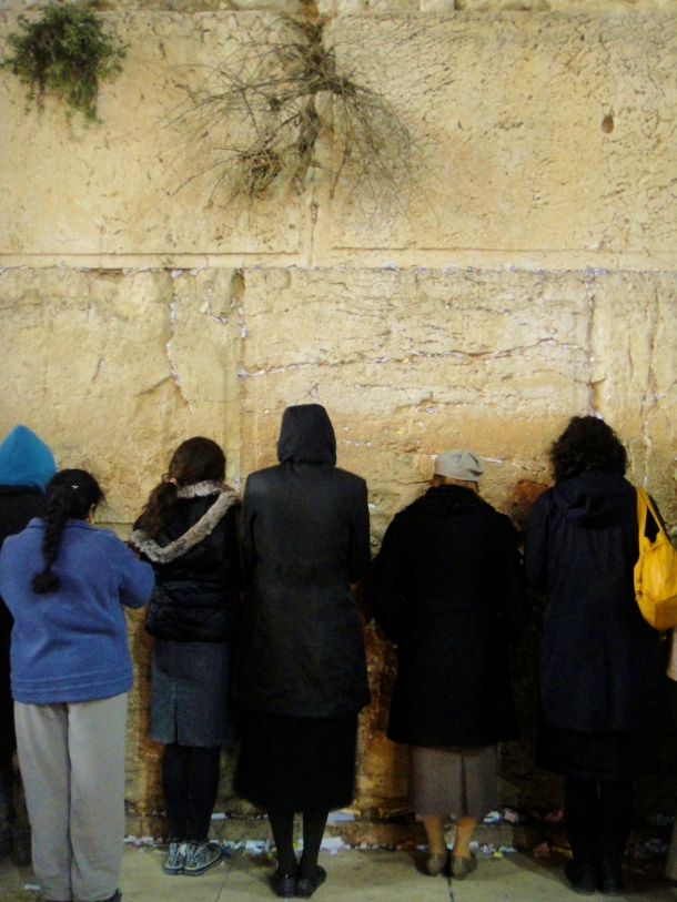 women-wailing-wall