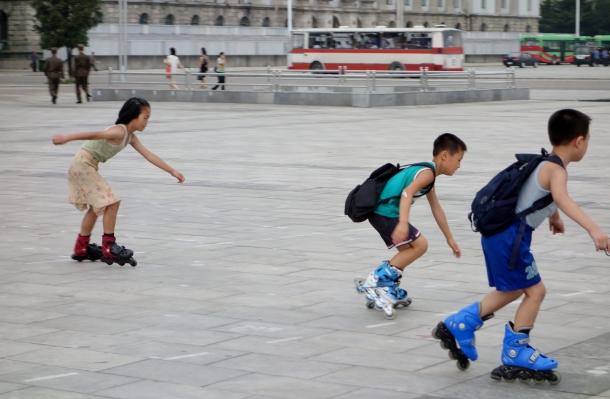 rollerblading-Kim-Il-sung-Square