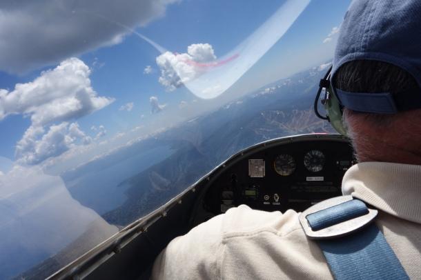 glider-cockpit-view