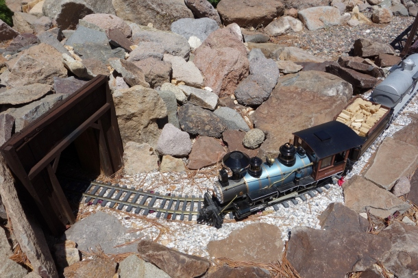 molossian-railroad
