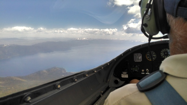 glider-over-lake-tahoe