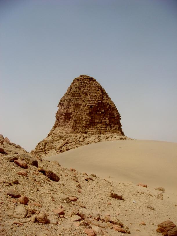 napata-pyramid