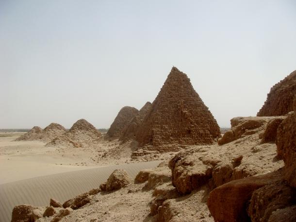 nuri-pyramids