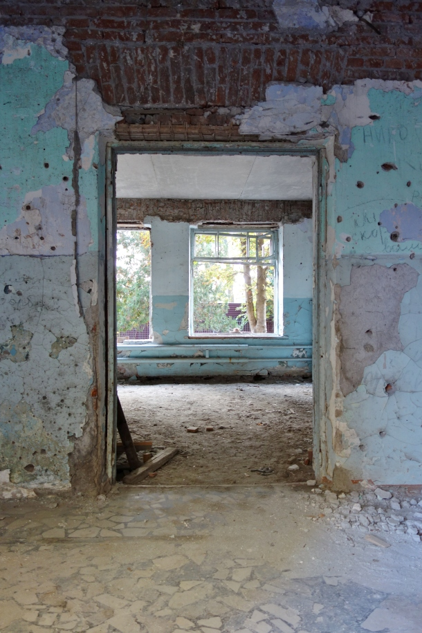 beslan-school-damage-from-fighting-during-massacre-school-siege