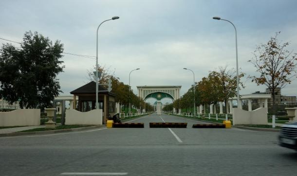 entrance-presidential-palace-grozny