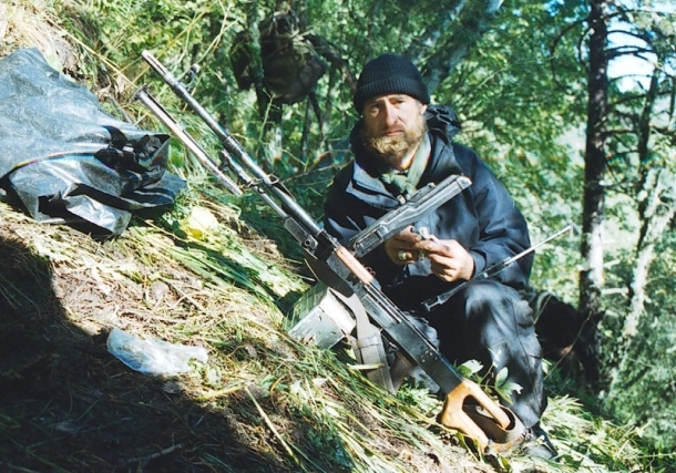 last-pictures-of-roddy-scott-chechen-rebels-transiting-caucasus-mountains