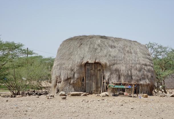 grass-hut-yemen