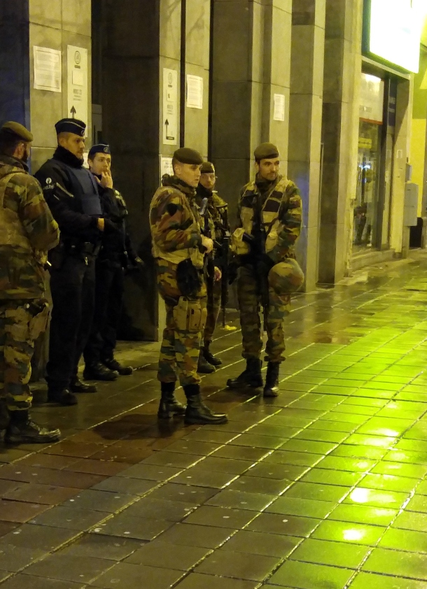 soldiers-patrolling-streets-brussels