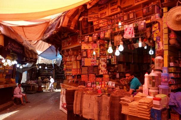 street-market-yemen