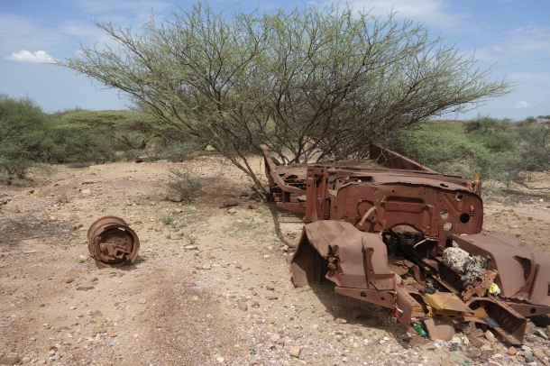 abandoned-truck-in-countryside-of-eritrea
