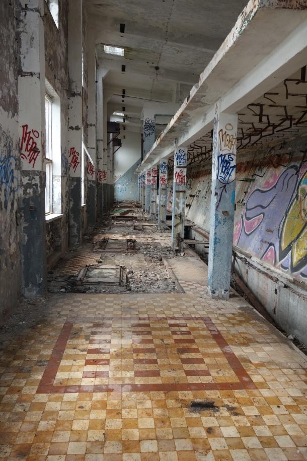 abandoned-submarine-base